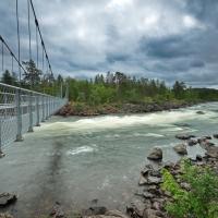 Hängebrücke über den Juutuanjoki