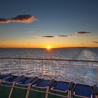 Sonnenaufgang auf den Hurtigruten